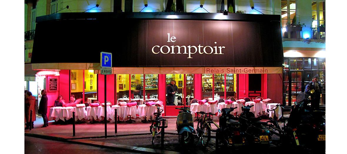 Devanture du restaurant le Comptoir du Relais