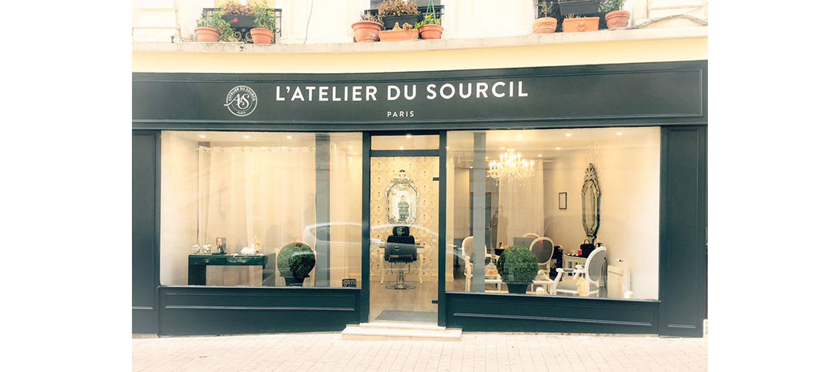 Devanture magasin Atelier du sourcil