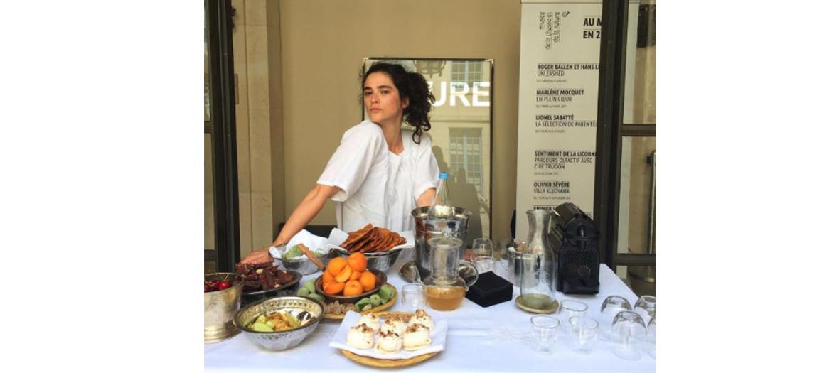 Alix Lacloche dans sa cuisine