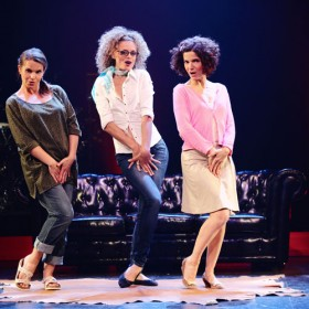 Une Comedie Musicale Furieusement Decalee 500