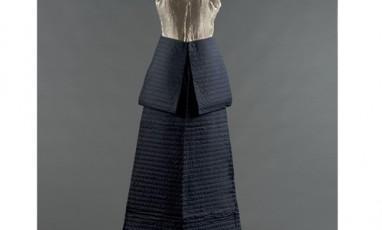 Notre expo : le dressing d'une Parisienne des années 30
