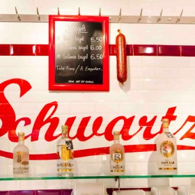 Brunch Et Burger Party Chez Schwartzs Deli