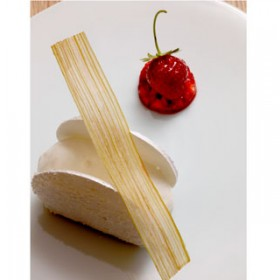 Vacherin Fraise Rhubarbe Md Stephanedebourgies Copie 1