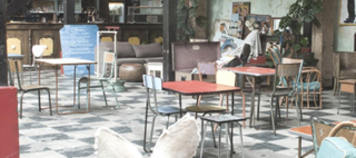Le Comptoire General Un Bar Excentrique Et Exotique Sur Le Canal 3