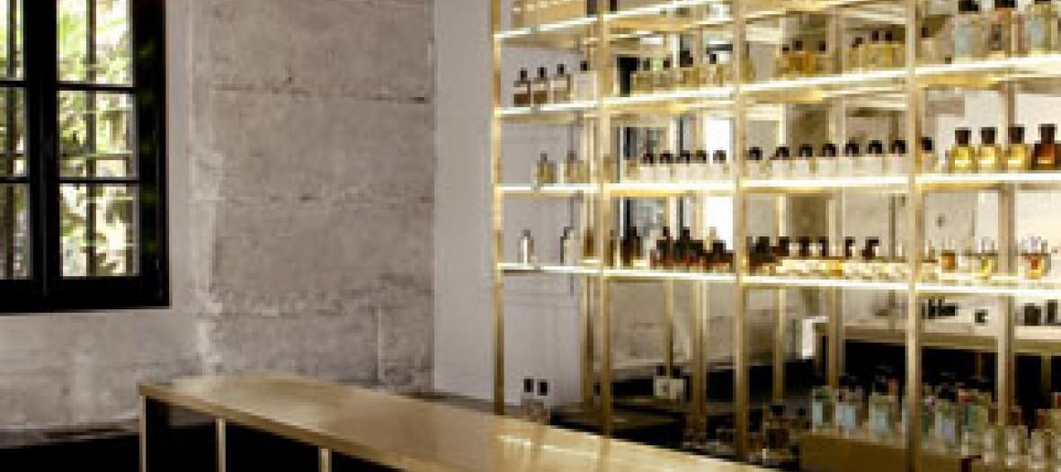 Le Nouveau Bar A Parfums Dans Le Marais