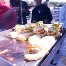 Flanerie Et Burger Sur Les Quais