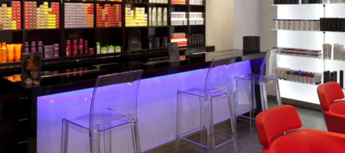 Le Bar Des Coloristes Par Christophe Nicolas Biot Exact780x1040