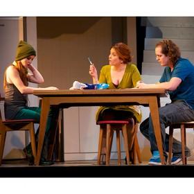 Agnes Jaoui En Desperate Housewive Au Theatre De La Madeleine