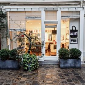 Le Salon De Coiffure Ultra Secret Des Parisiennes L Endroit Pari 1
