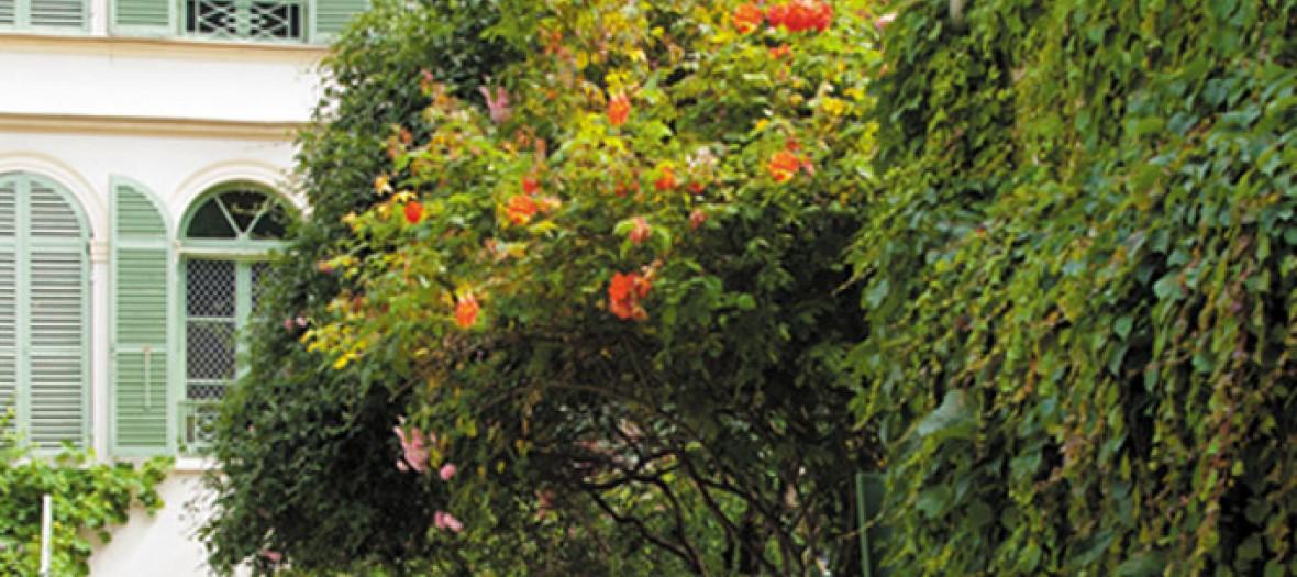 Dans La Categorie Jardin Secret Un The Dans Le Jardin