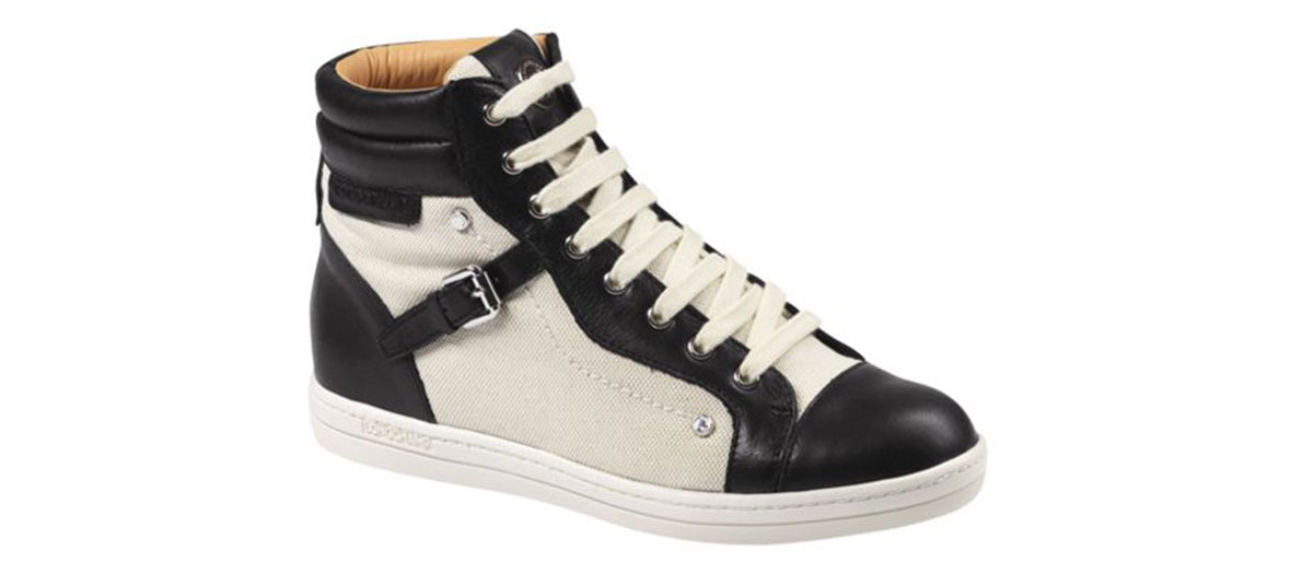 paire of black and white Longchamps sneakers