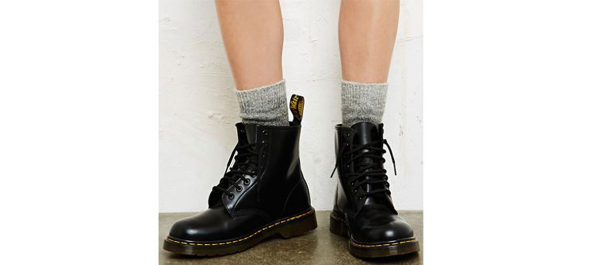 Chaussures Doc Martens & chaussettes Urban Outfitters