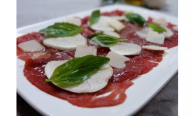 Beef carpaccio with mushrooms