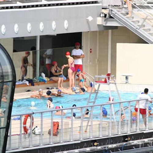 Un plouf sur la seine a la piscine josephine baker - Piscine josephine baker horaires ...