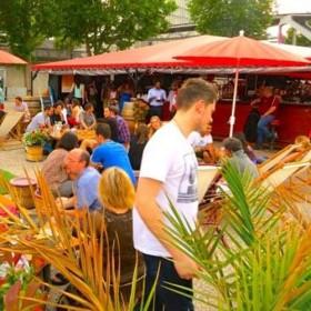 Pizza Party Les Pieds Dans L Eau Sur La Terrasse De La Dame De C