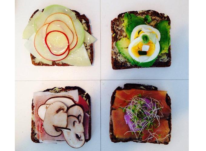 tartines au pain noir avec saumon, avocat, oignons, Betraves, oeufs dur, Champignons
