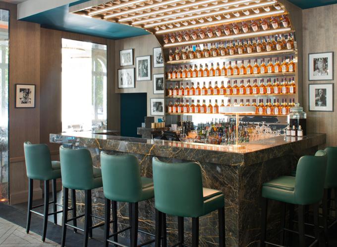 Victoria une salle manger place de l 39 etoile - La salle a manger paris ...