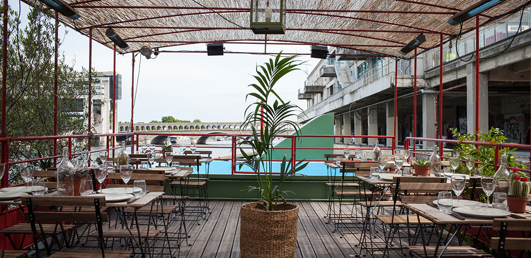Playtime la nouvelle p niche avec piscine for Bar la piscine paris 18