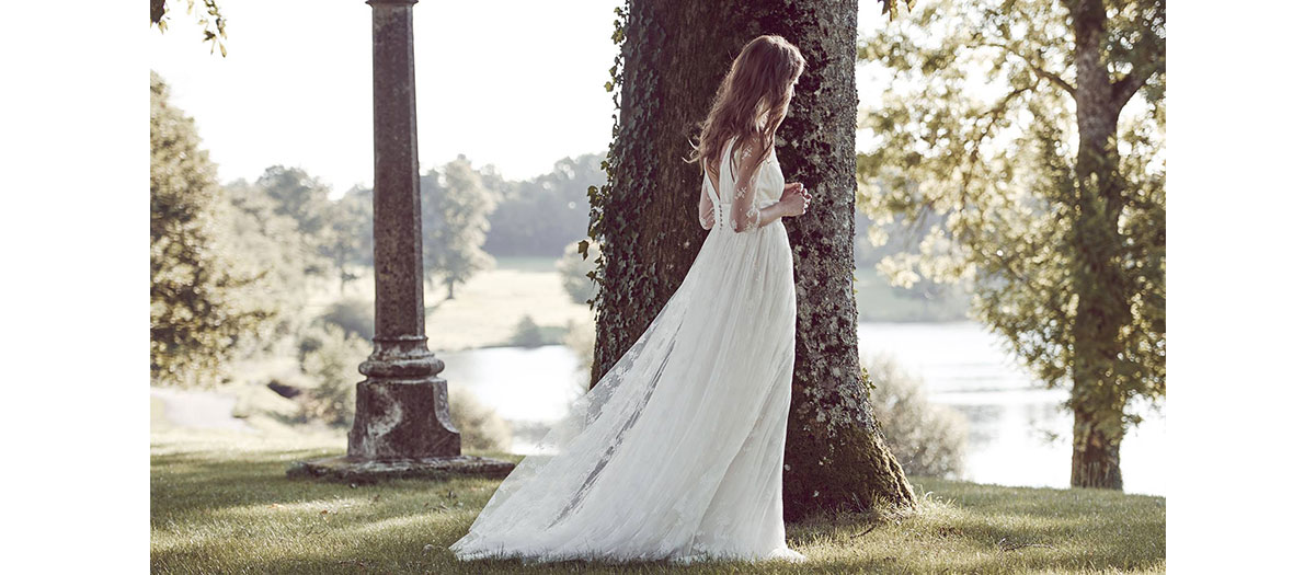 Wedding dress by Delphine Manivet