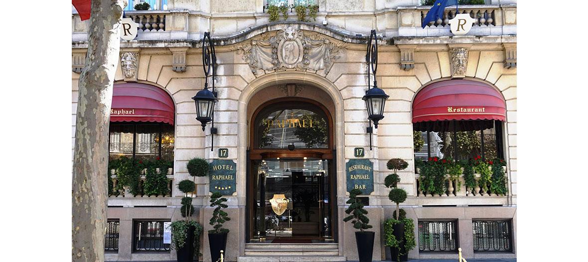 Entrée de l'hôtel Raphael