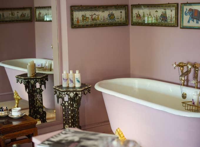 Une Salle de bain du portobello hotel à Londres décorée par Jessica Frankopan