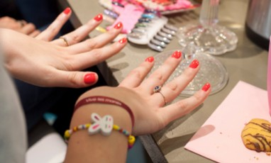 Save the date, un brunch dans un nail bar !
