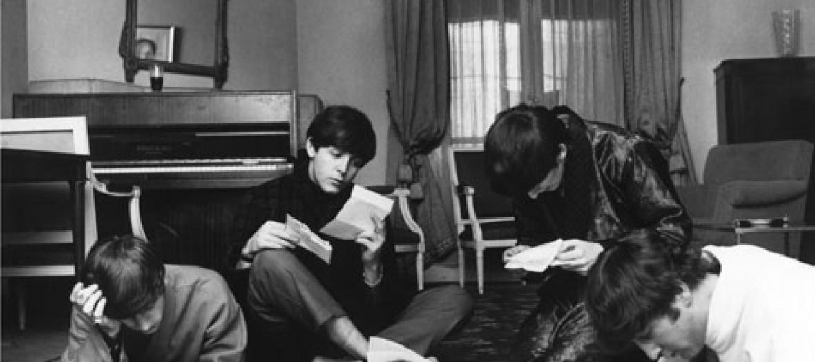 Beatles Reading Fan Mail Benson1964 Lg