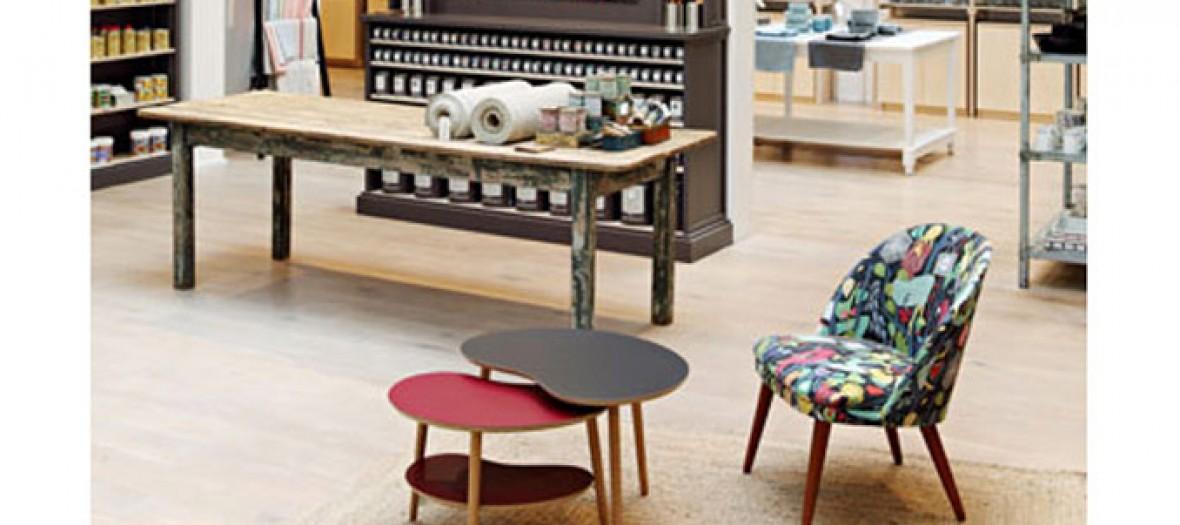 petits tabourets, tables basses canon, couvertures en prince de galle, peinture, accessoires de salle de bain De la Droguerie La Tresorerie