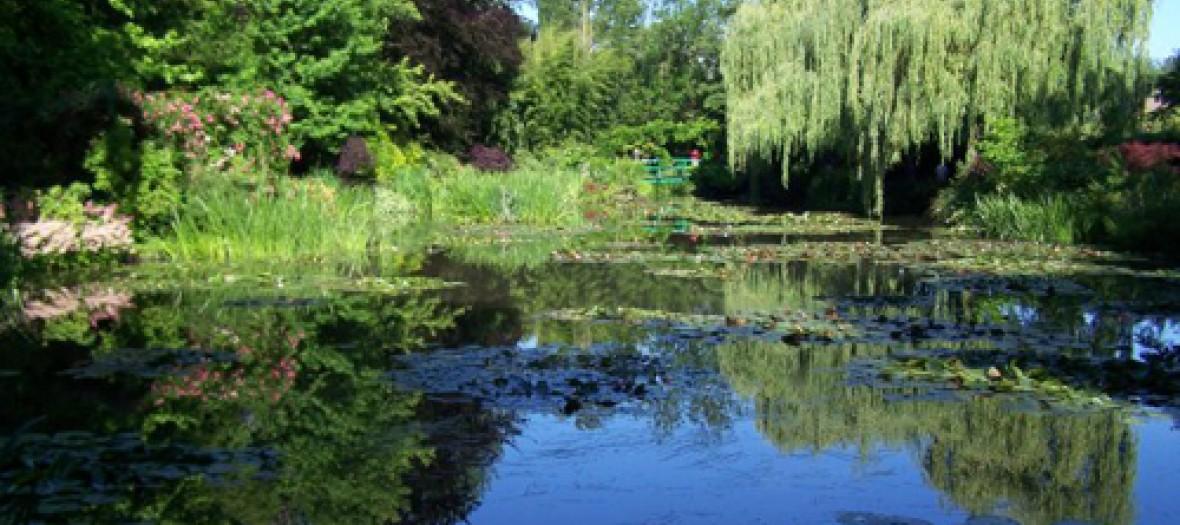 Se Balader Dans Le Jardin Feerique Qui A Inspire Monet
