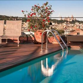 Un Hotel Avec Rooftop Et Piscine De Dingue Photo Landing