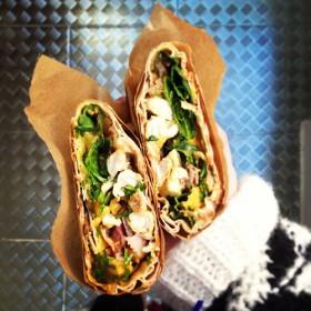 Sandwich Wrap dans leur emballages par Gustave