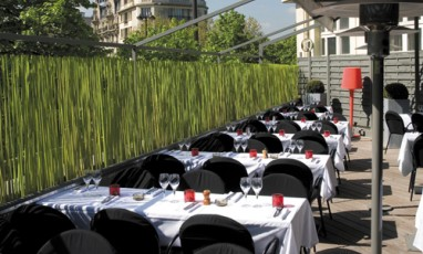 the protected and warm terrace of the Mary Good Night for lovely brunch