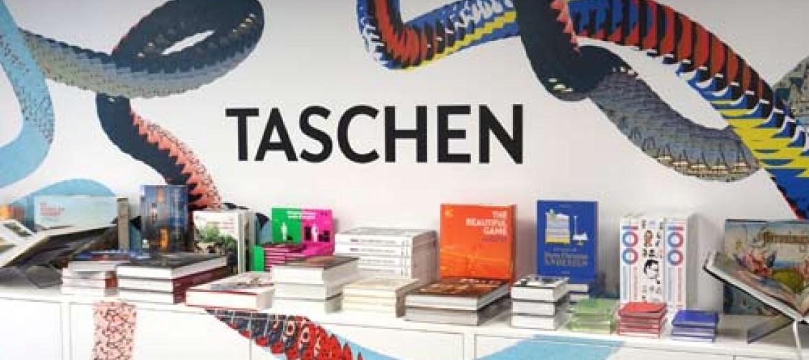 Une Librairie Magique Dans Le Marais Pop Up Taeschen
