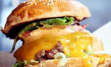 Starvin joe burger