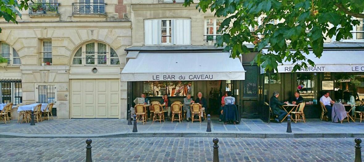Le Bar Du Caveau