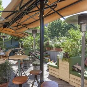 Auteuil brasserie terrace