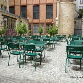 Cafe cour terrasse