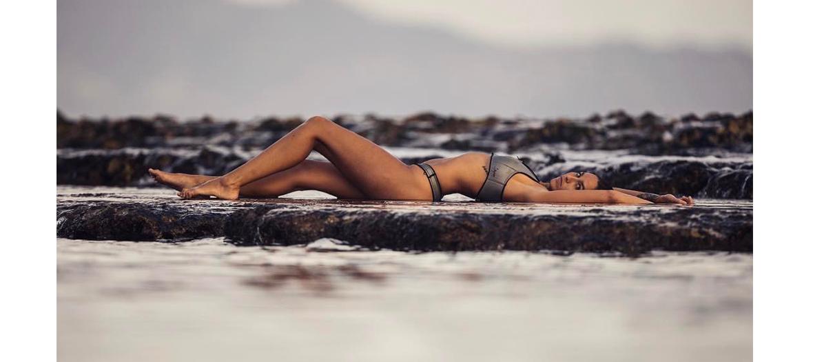 Alice Arutkin sur la plage