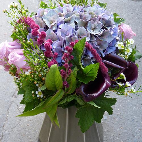 Le livreur des fleurs styl es for Fleuriste livreur