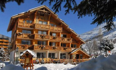 A terrific small hotel with everything within moon-boots reach at the Les Deux Alpes