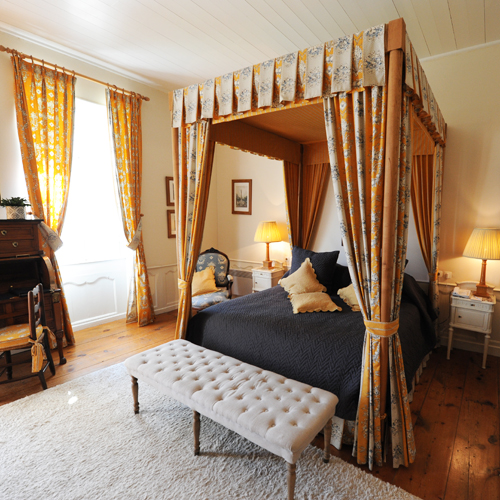 An Ideal Occasion To Snuggle Lovingly In Your Apartments With A Four Poster  Bed, Super Soft Sheets, Sculpted Wooden Armoires And Desk Or In One Of The  ...