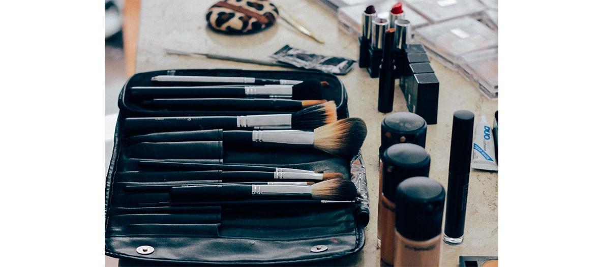 set d'accessoires maquillage