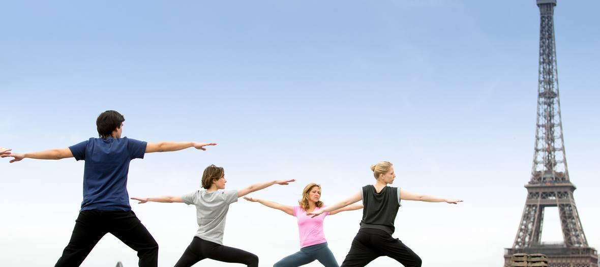 Paris yoga shala rooftop yoga at la maison blanche for A la maison blanche