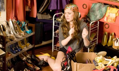 screenshot of the movie confessions of a shoppaholic