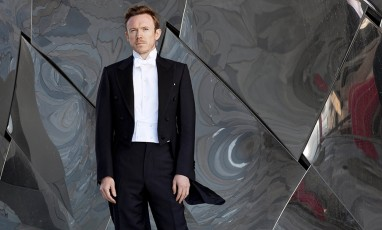 Daniel Harding in front of the Philarmonie of Paris