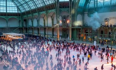 Une patinoire géante et des hot-dogs au Grand Palais