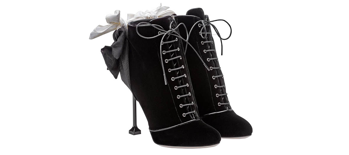 lace up booties in velvet miu miu