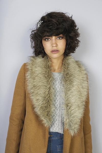 Manteau en coton mélangé et col imitation fourrure