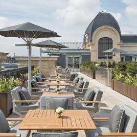 Hotel avec terrasse face à la tour Eiffel Rooftop du peninsula