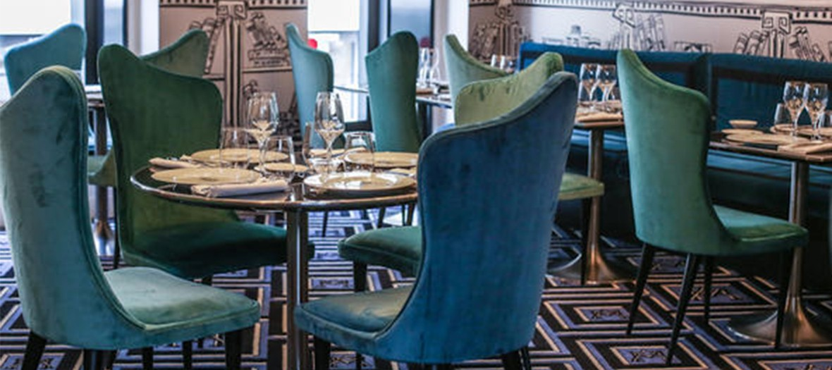 La gauche caviar restaurant room